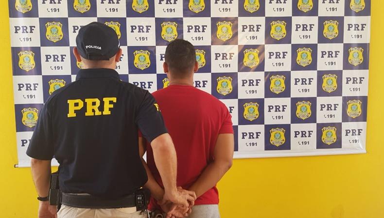PRF prende homem na BR 316 que usava documento falso