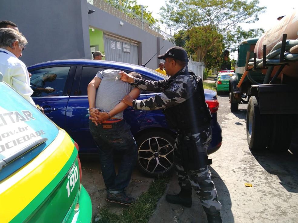 Homem é preso roubando baterias de torre de telefonia em Teresina