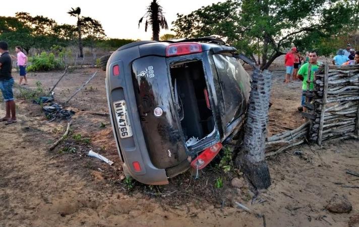 Pai e filha morrem após veículo capotar no Norte do Piauí