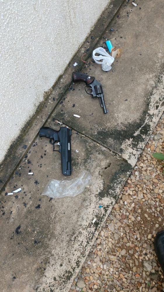 Suspeito de matar estudante é baleado em perseguição após assalto