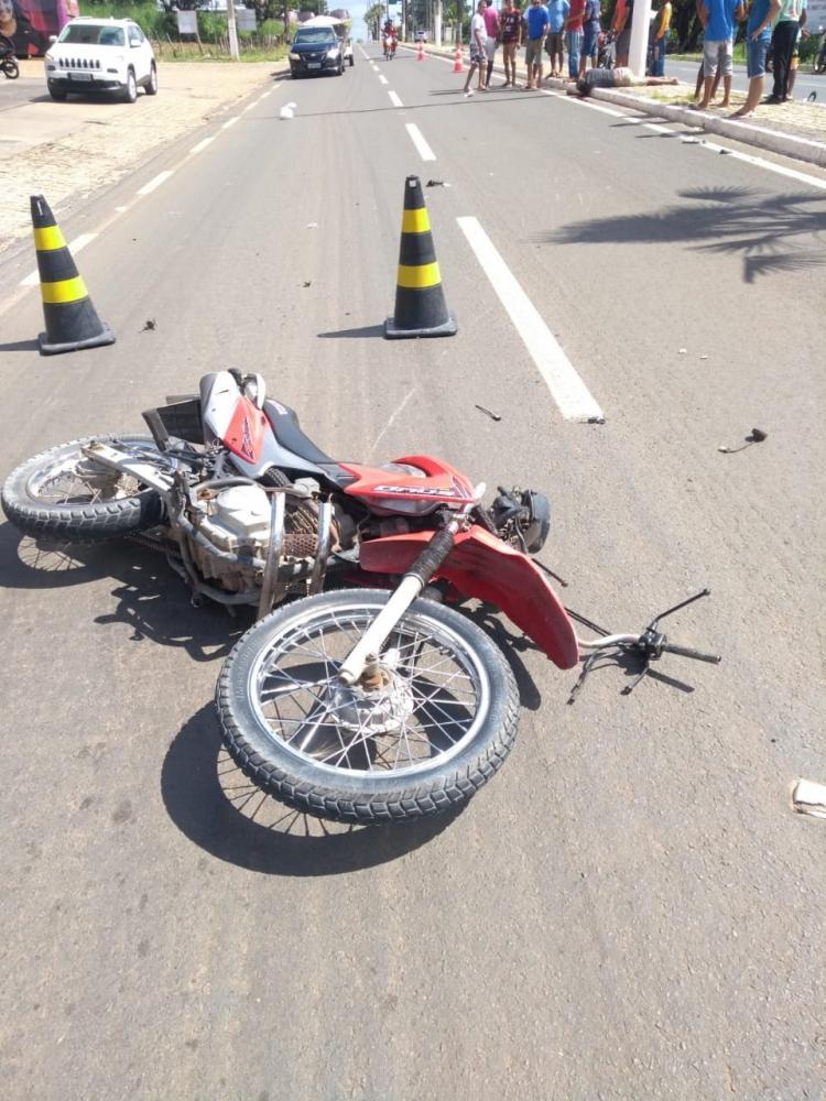 Homem morre após colidir motocicleta em poste no Sul do Piauí