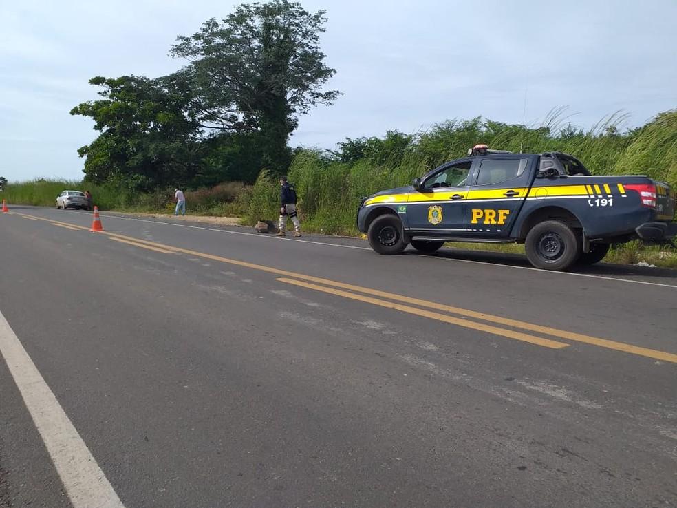 Motorista desvia de buraco e mata ciclista na BR-230 em Floriano