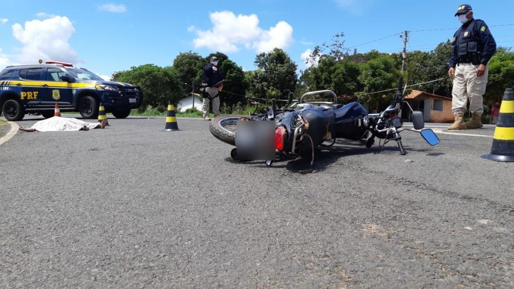 Servidor público morre após ser colhido por caminhonete na BR-343