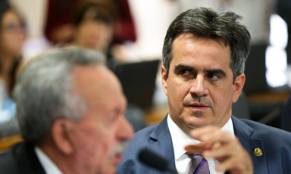 Marcelo Castro e Elmano votam Sim para adiar eleição e Ciro vota Não