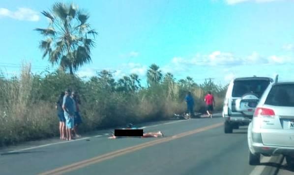 Motociclista morre após colidir em carreta na BR-343, em Campo Maior