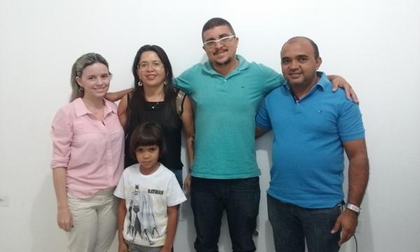 Prefeito Manoel Dedé Contrata Nova Médica para atender a População